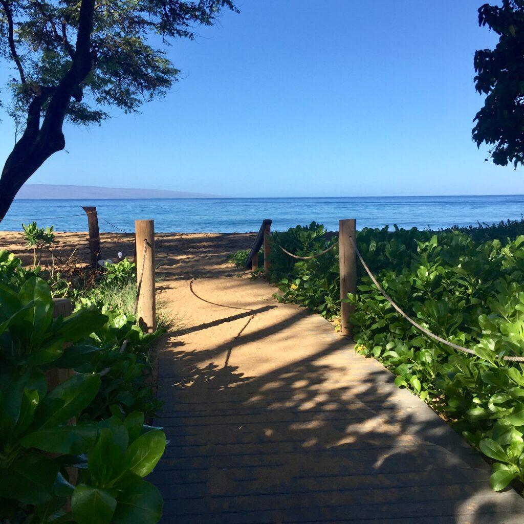 Boardwalk beach access to Kaanapali Beach