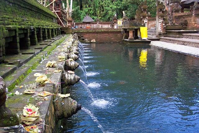Bali - Pura Tirta Empul temple (sacred water)