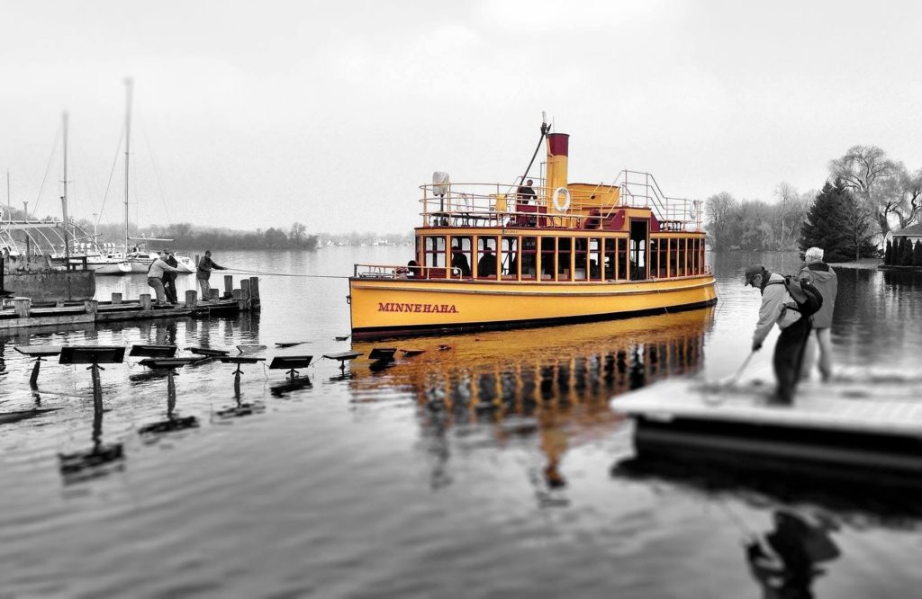 Steamboat Minnehaha - Things to do Lake Minnetonka