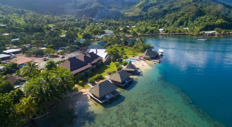 Aimeo Lodge- affordable overwater bungalows
