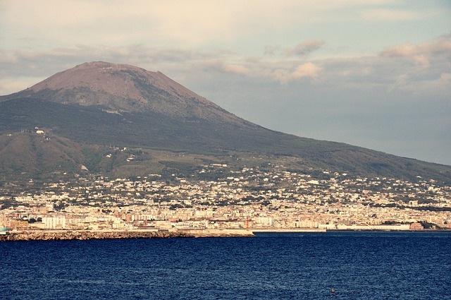 Naples: Mt Vesuvius tour