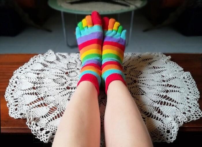 Colorful toe socks
