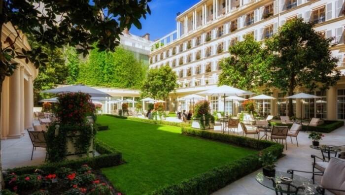 Park-like Courtyard at Le Bristol Paris