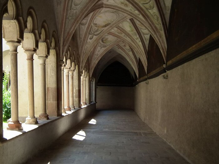 Bolzano's Chiesa dei Francescani Cloister