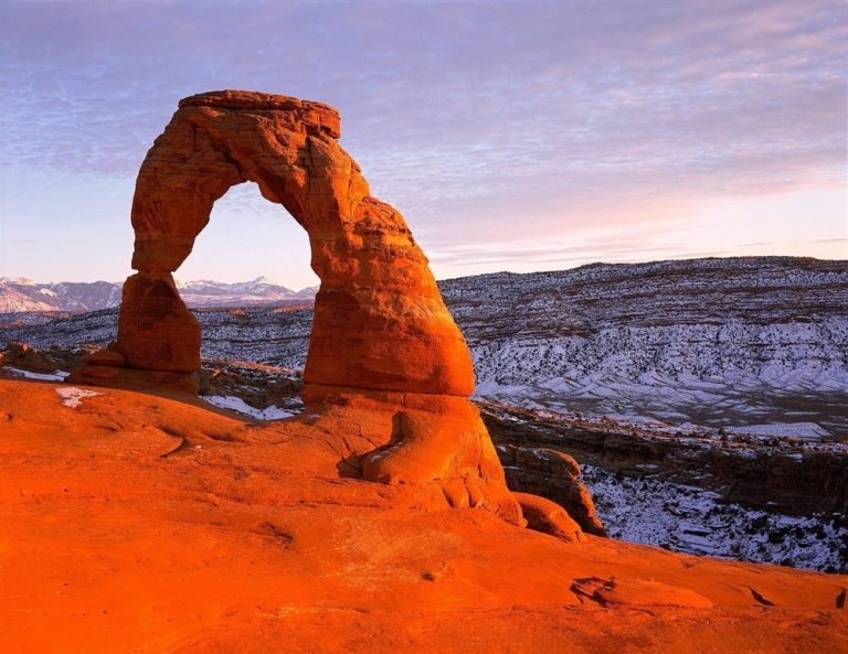 Iconic arch of Arches National Park, Utah, Winter