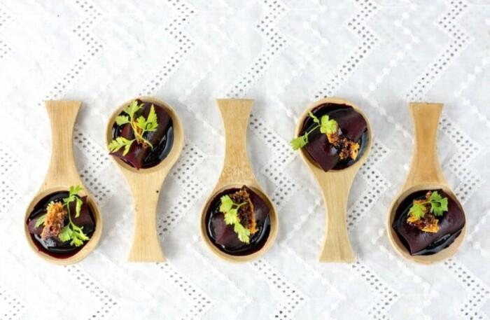Tasting spoons of beef carpaccio