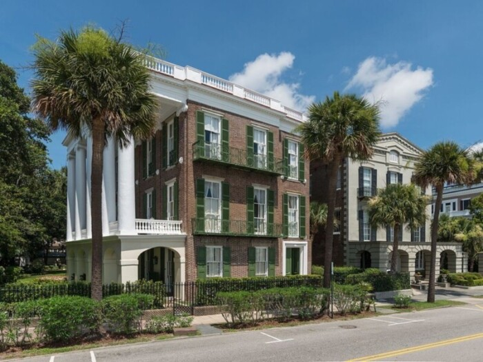 Include a walking tour of the Battery, an important waterfront neighborhood.
