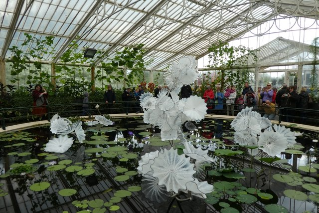 Dale Chichulay's permanent glass exhibition