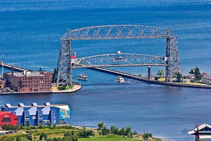 Boats going in and out of Duluth Harbor