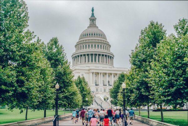 Lines to Washington Memorials