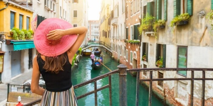 A girl tourist in Italy