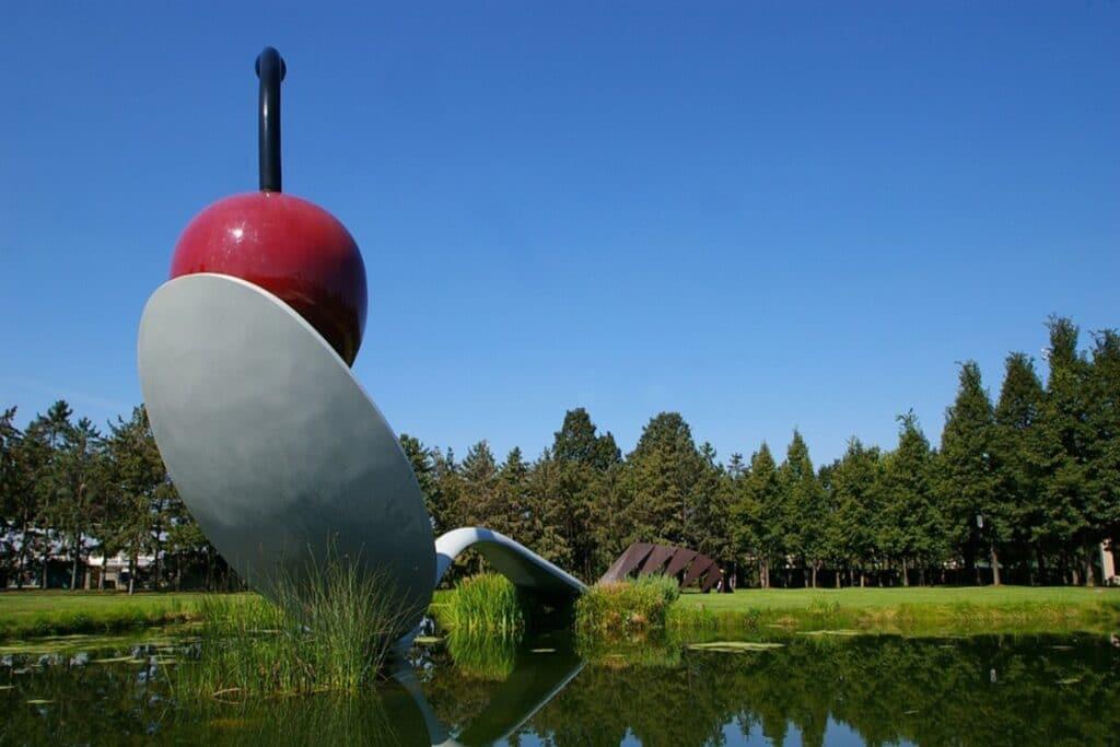 Minneapolis Spoonbridge and Cherry sculpture