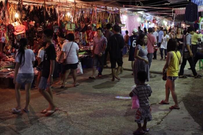 Night markets are found throughout Thailand.