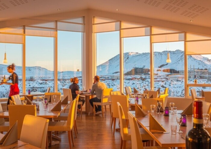 Restaurant at Northern Light Inn with Floor to Ceiling Windows
