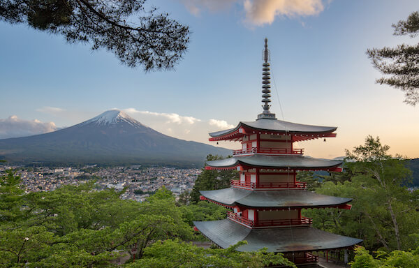 Here Are The Top 10 Reasons to Visit Japan