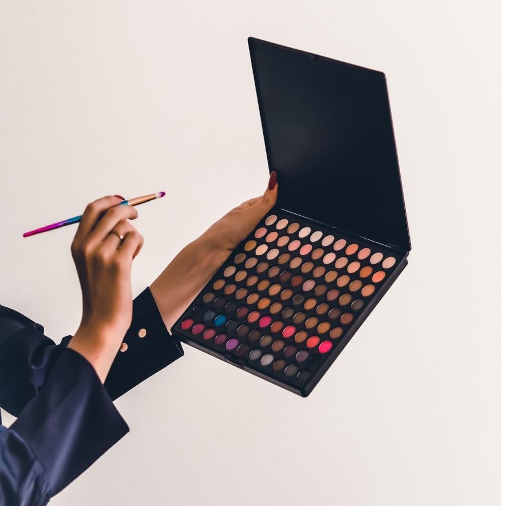 Best travel makeup kit