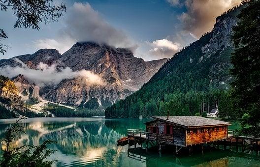 beautiful cabin on Italian lake