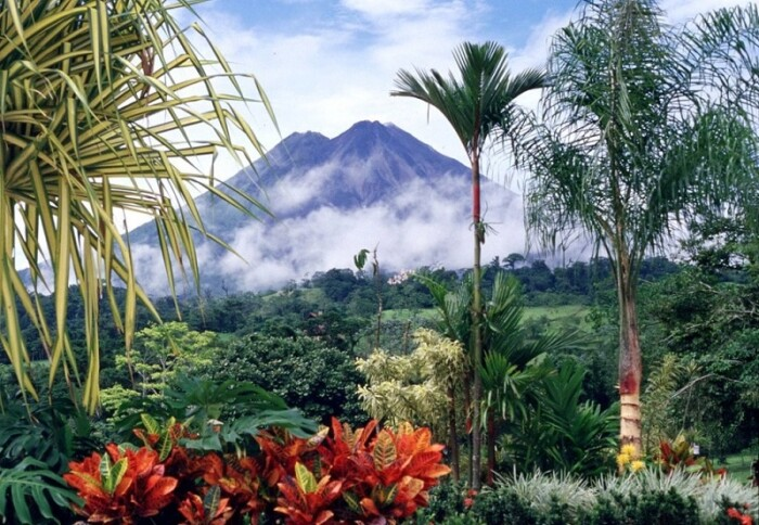 Is Costa Rica Safe To Visit? (A Guide for Travelers)