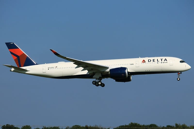 Delta Airlines Review 2021: Is This The Best Airline?