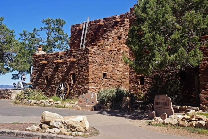 Hopi House exterior in Grand Canyon Village