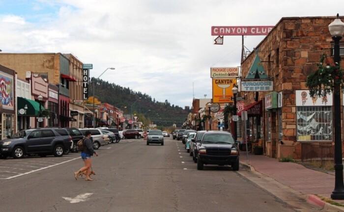 Street through Williams, AZ.