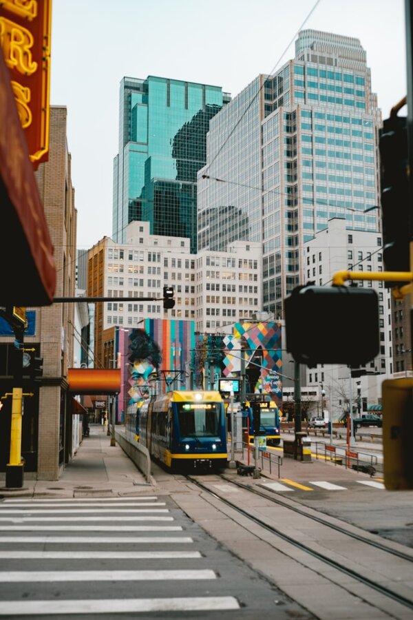 light rail Minneapolis MN