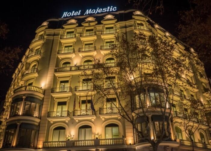 Golden exterior Hotel Majestic in Barcelona