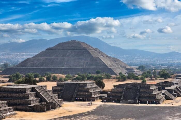 Teotihuacán Ruins and Pyramids