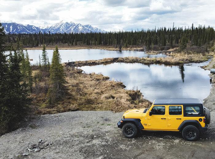 Jeep on Denali Highway
