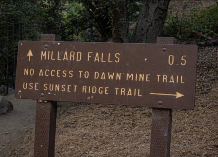 The sign to Millard Falls