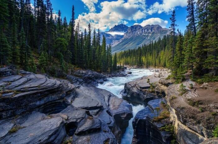 Canadian mountain range