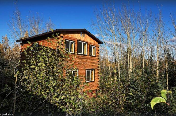 Log cabin off Parks Highway