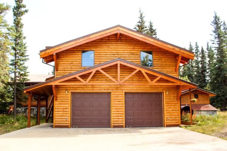 Wooden cabin in Healy