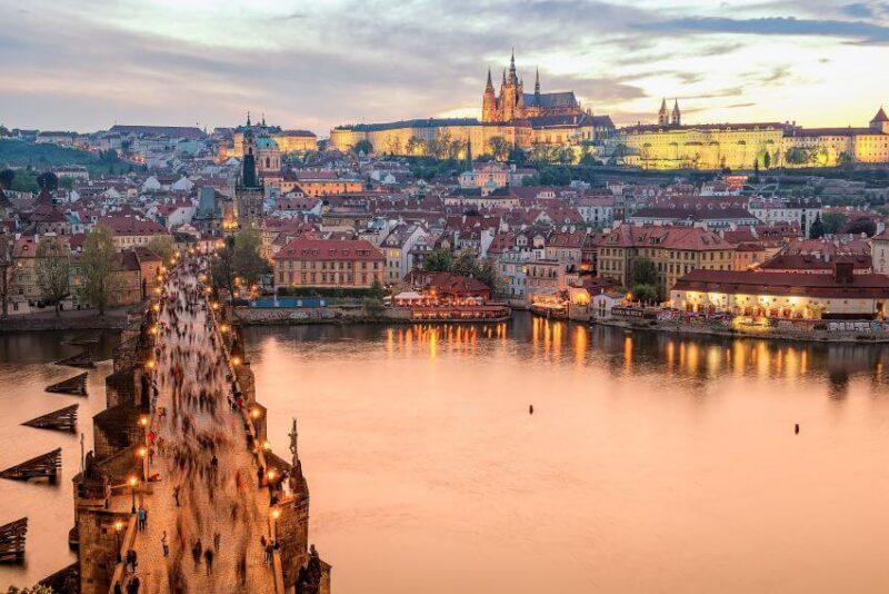 Vienna vs Prague